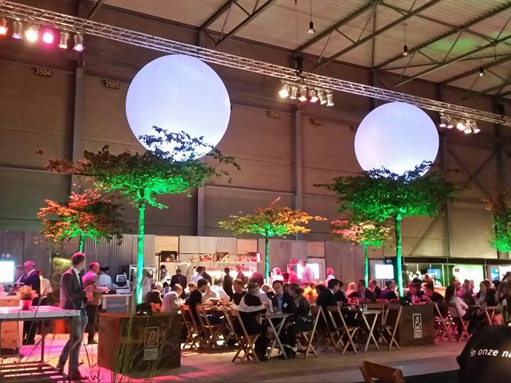 LED-Bollen te zien bij La Vie Horecaplein